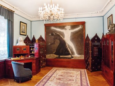 "Karl May's art nouveau reception room with the wall painting ""Der Chodem"""