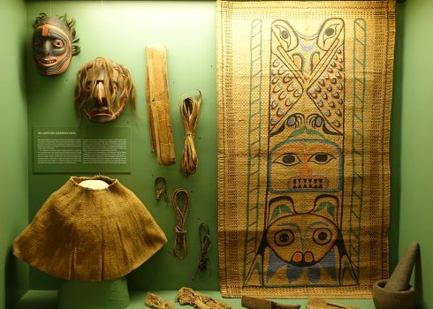 Showcase with objects of the northwest coast of North America