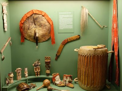 Showcase with objects of the southwest of North America